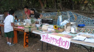 One of the many eat-ins held this past Sepetember 7th, at Spiraling Orchard Park in Los Angeles.